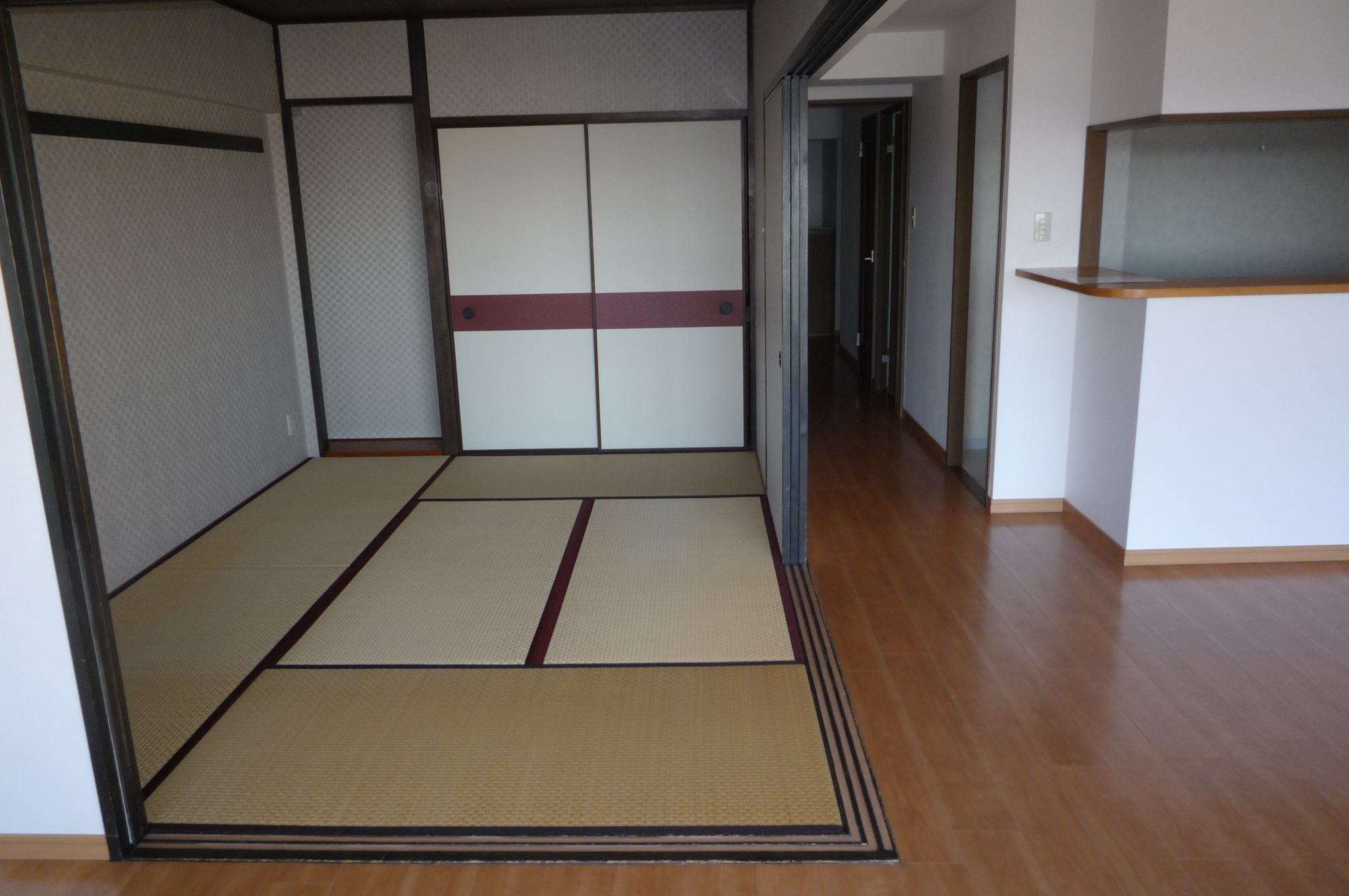 敷地内にテニスコートもある大規模マンション  ダイアパレス リバーコート熊谷